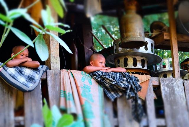@FannieDupé - Laos